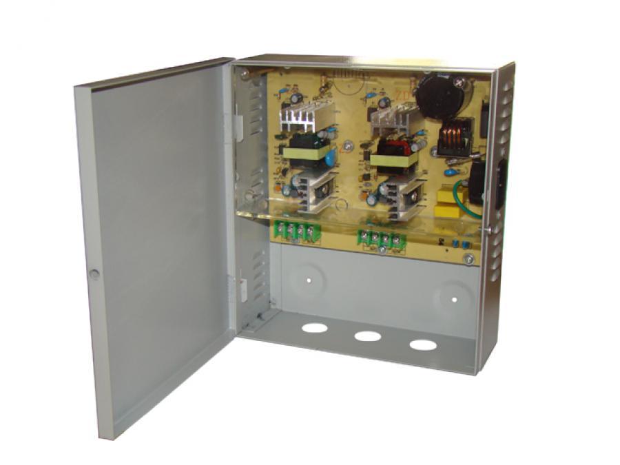Alimentatore centralizzato 12V, 5 Ampère con 4 uscite per telecamere di videosorveglianza