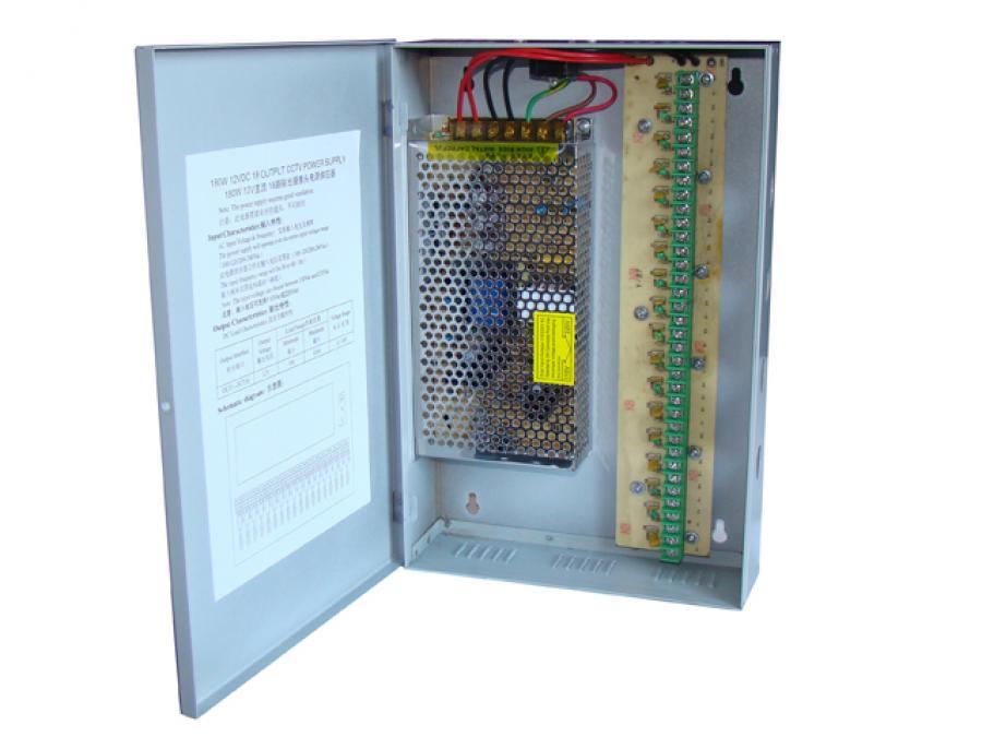 Alimentatore centralizzato 12V, 15 Ampère con 18 uscite per telecamere di videosorveglianza